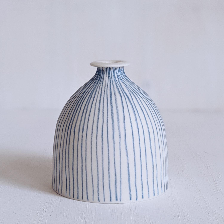 striped vase.jpg