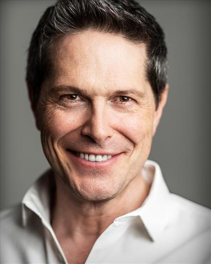 Neil Roberts - Headshot.jpg
