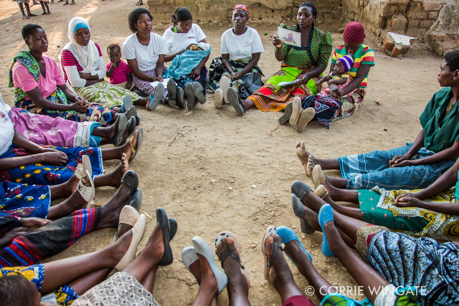 Discussions and picture cards during a meeting, Tikondane WG, Kutambala village, Salima district, Malawi