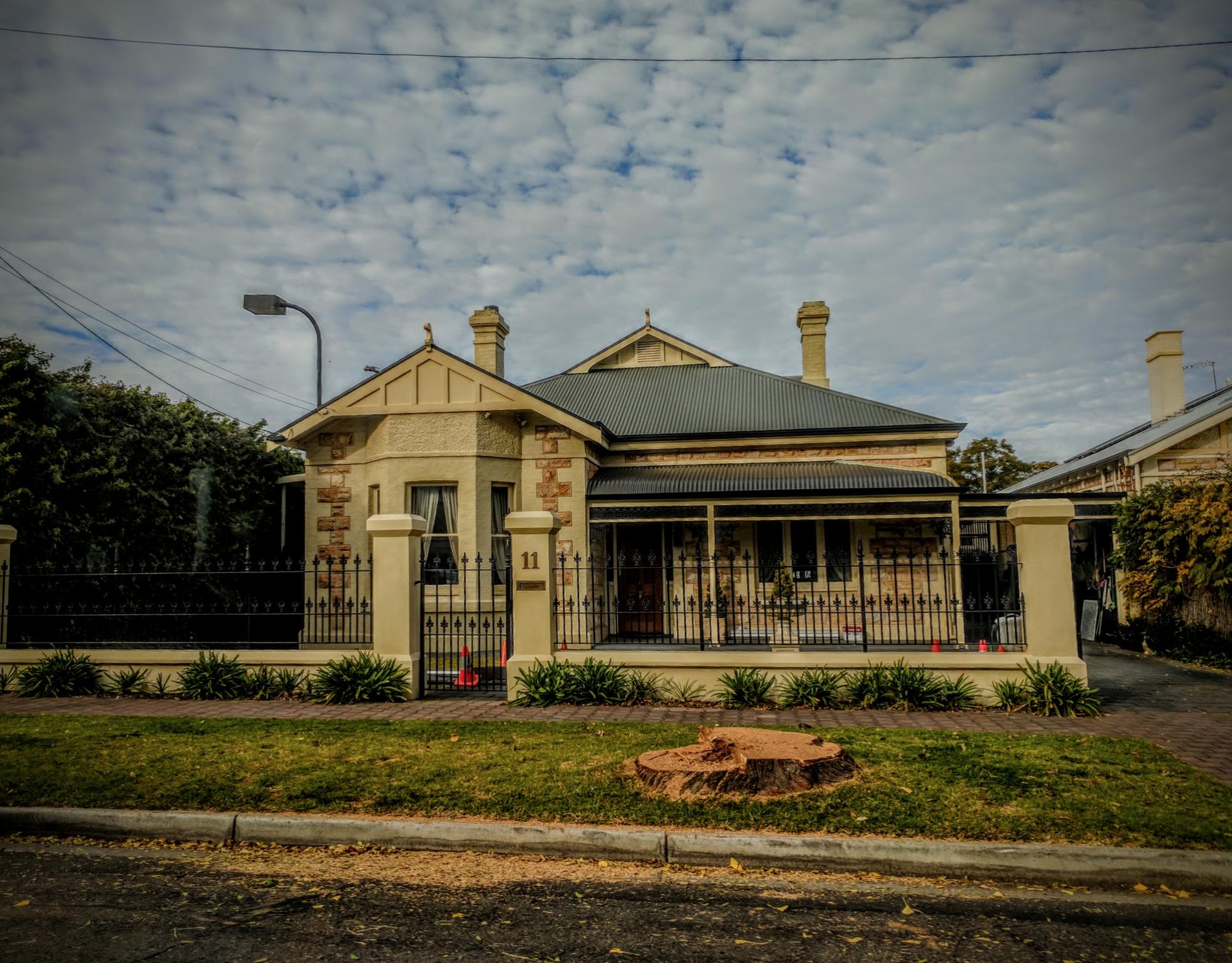 Bay Window Villa 1870-1890
