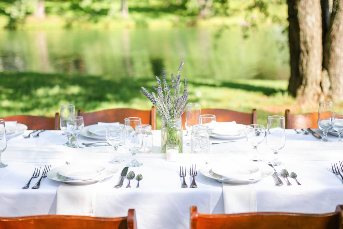 outside wedding by stoneridge catering.jpg