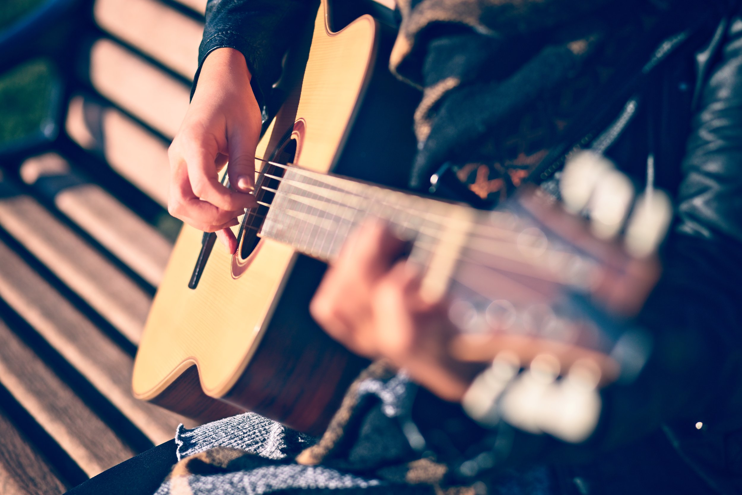 pari-guitar