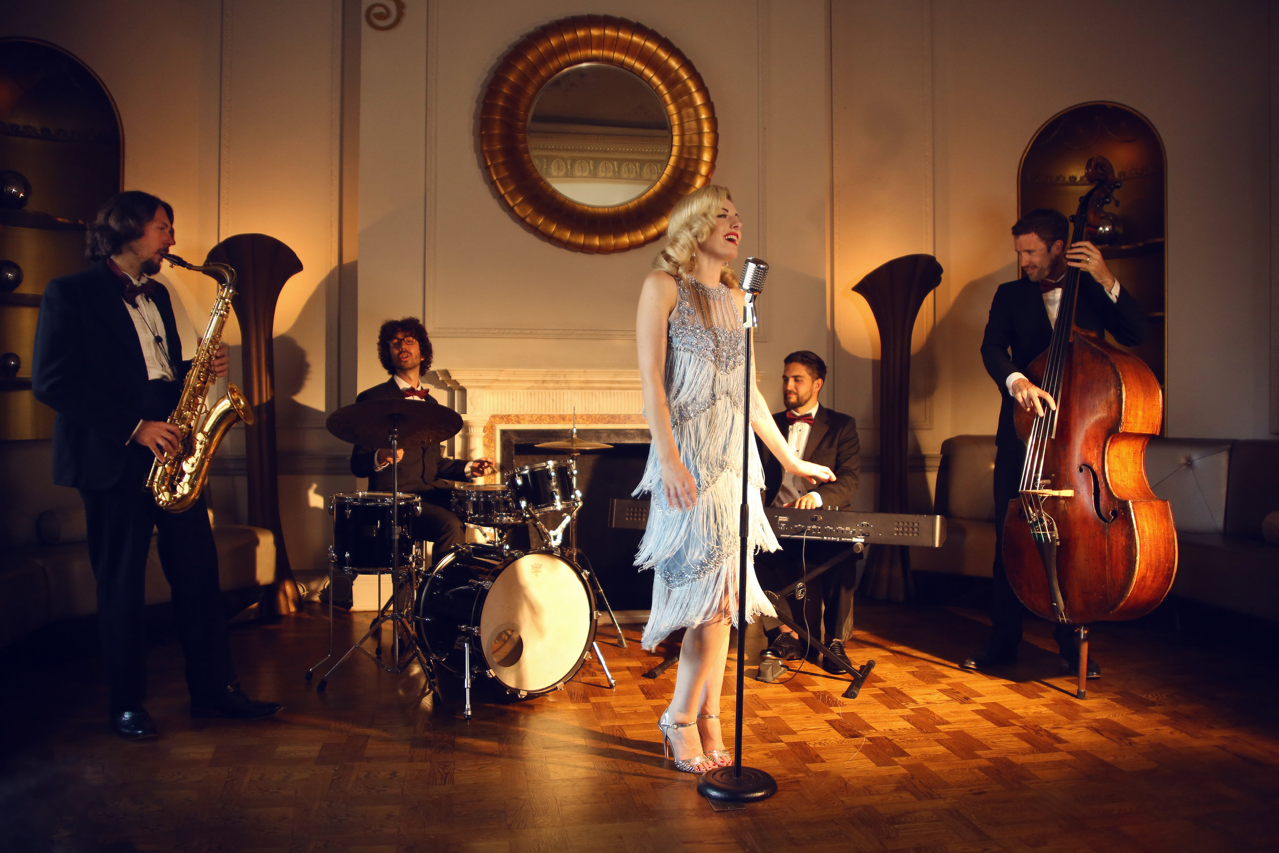 Sarah Goodwin and her live band - singing Jazz classics and modern hits with a vintage twist