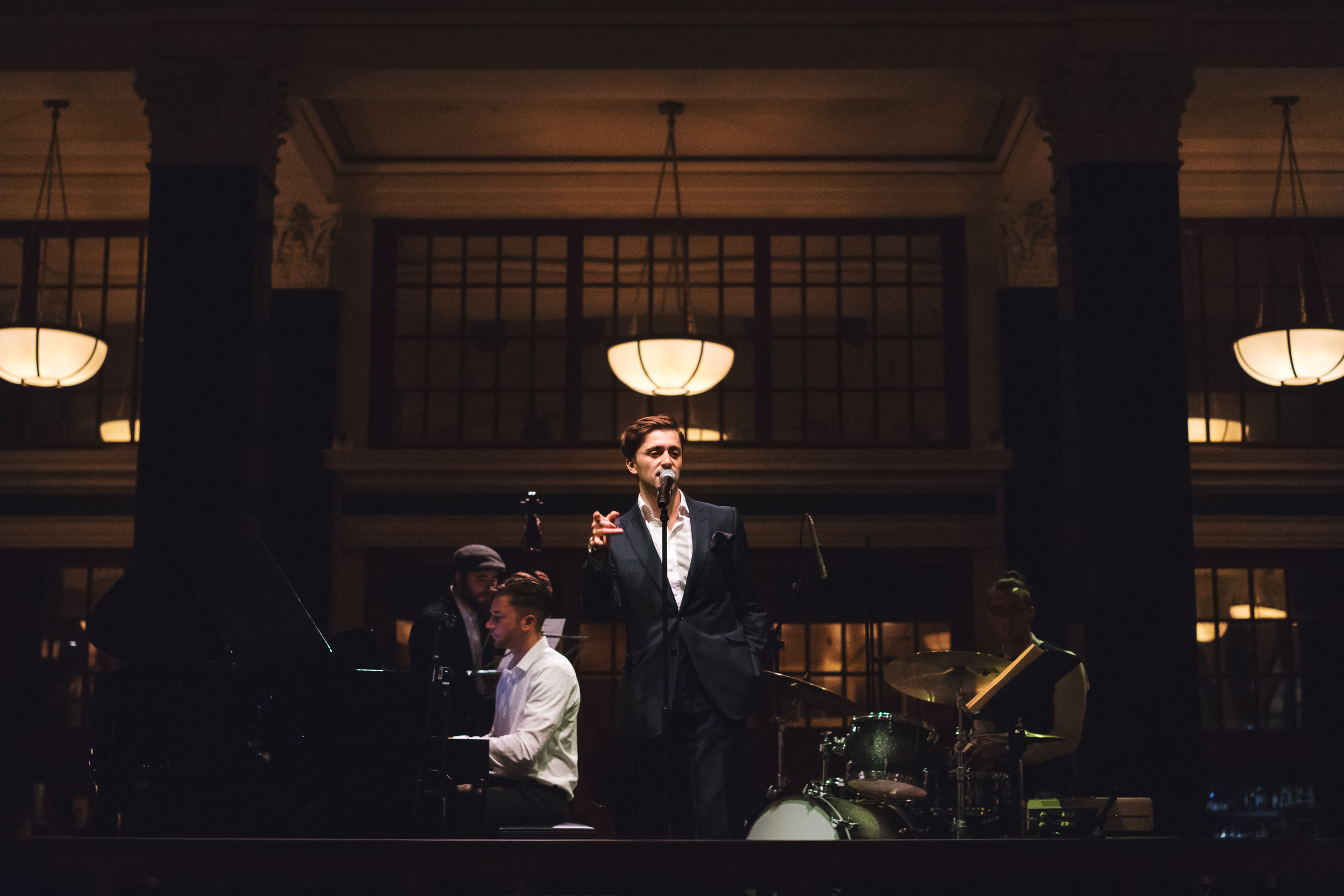 The Leon Garner Jazz Trio performs classic hits from the golden era of jazz. The perfect ambience for a classy event.