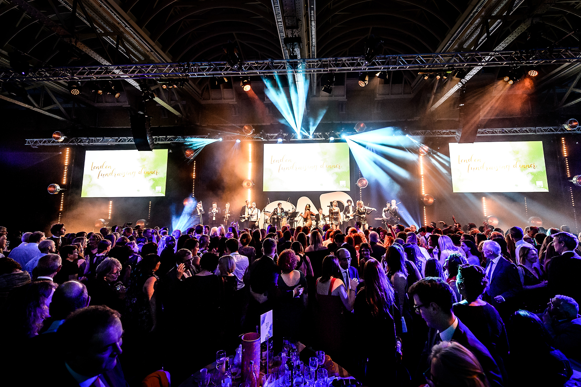 London's biggest party band, Platinum, provides high octane live entertainment for corporate events, weddings and parties.