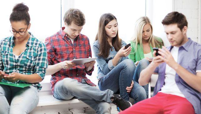 kids-cellphones-school.jpg.653x0_q80_crop-smart.jpg