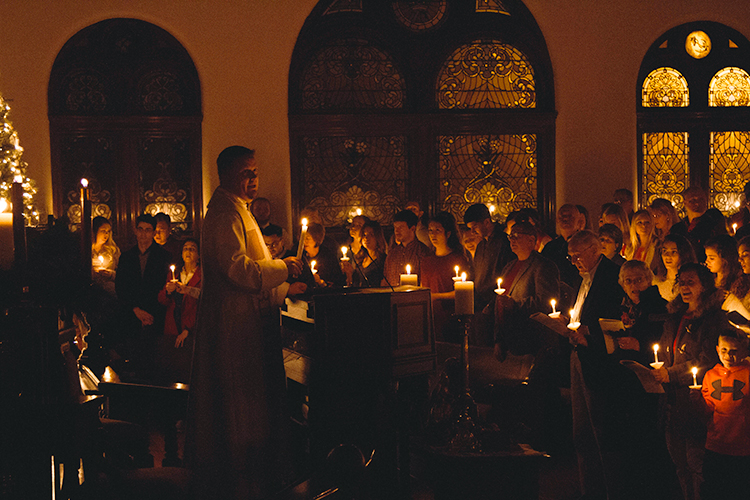 Christmas Eve Services with Candlelight, Carols and Communion - Monday, December 24, 4:00, 7:00 and 11:00 pm
