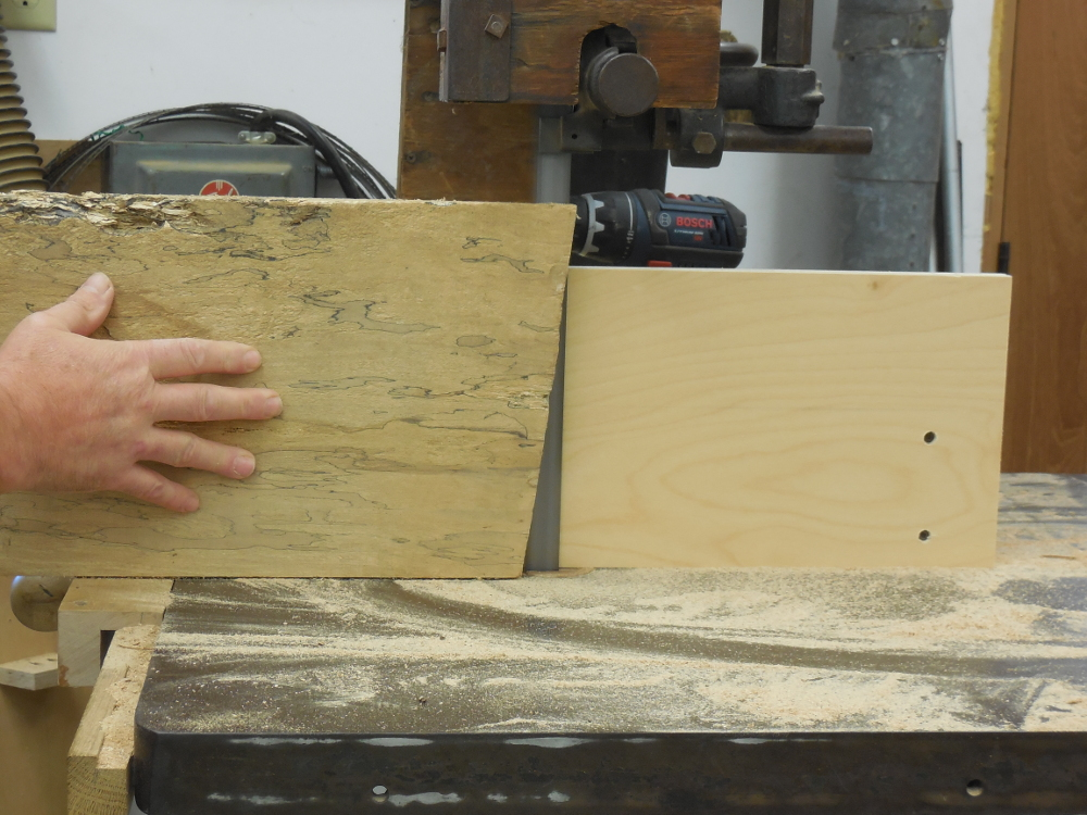 "Resawing veneers from a 10"" wide board"