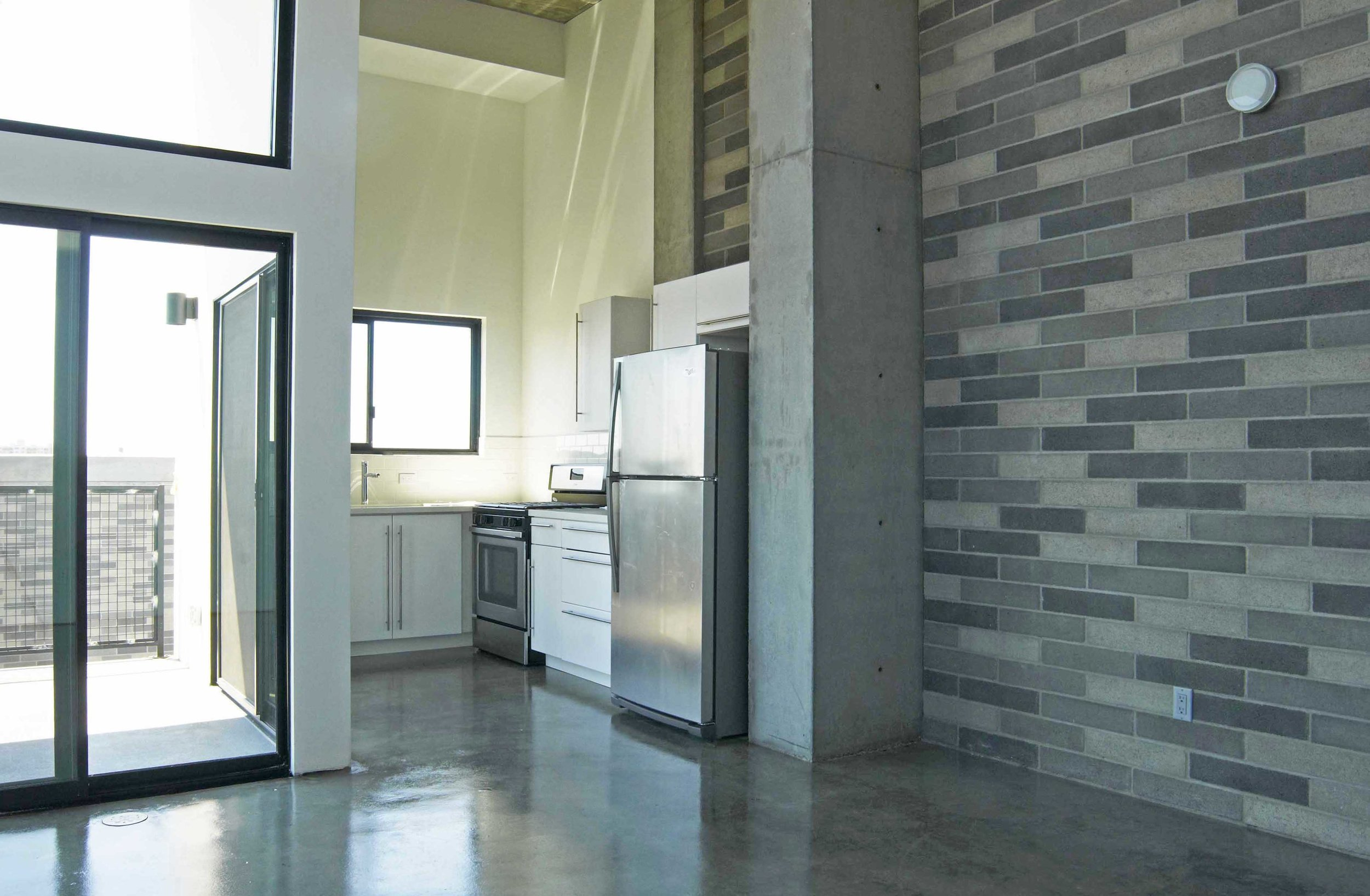 4023.400.kitchen.west.jpg