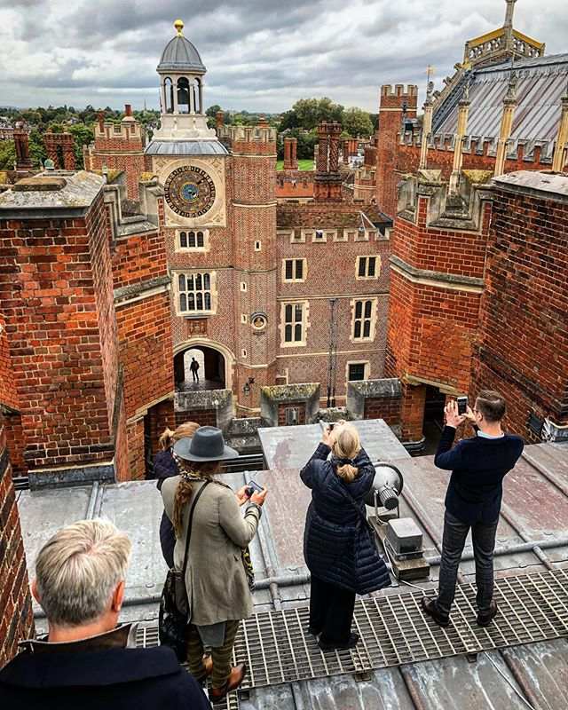 Yesterday, for the first day of our course, we explored the Renaissance palace at Hampton Court from the roof down. Today we are off to Ham House and Chiswick House. Thank you @hamptoncourtpalace.