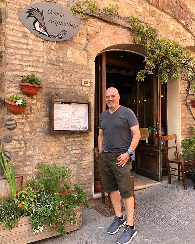 Another amazing day exploring and eating 😋 with my love in Montepulciano, one of our favorite towns. . . . . #visititaly #travelitaly #explore #travellife #travelgram