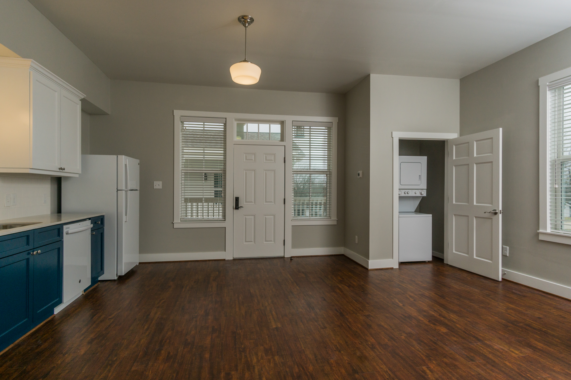 06 living room and laundry.jpg
