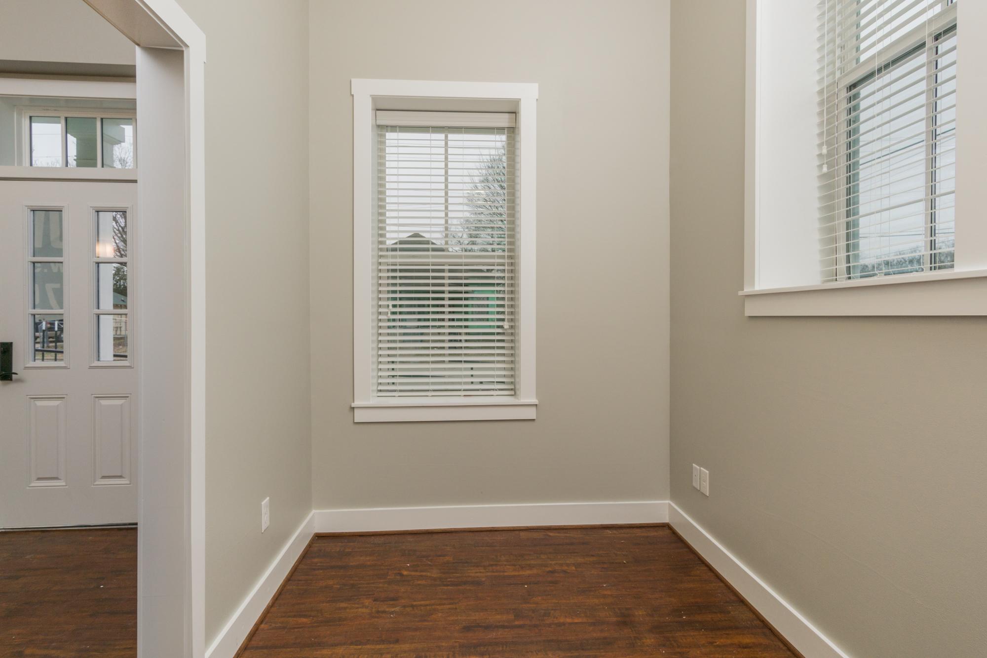 04 side room.jpg