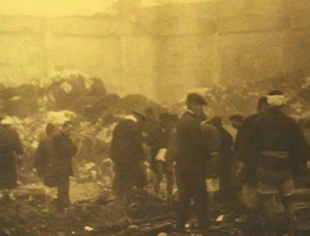 倉庫の爆発2.jpg