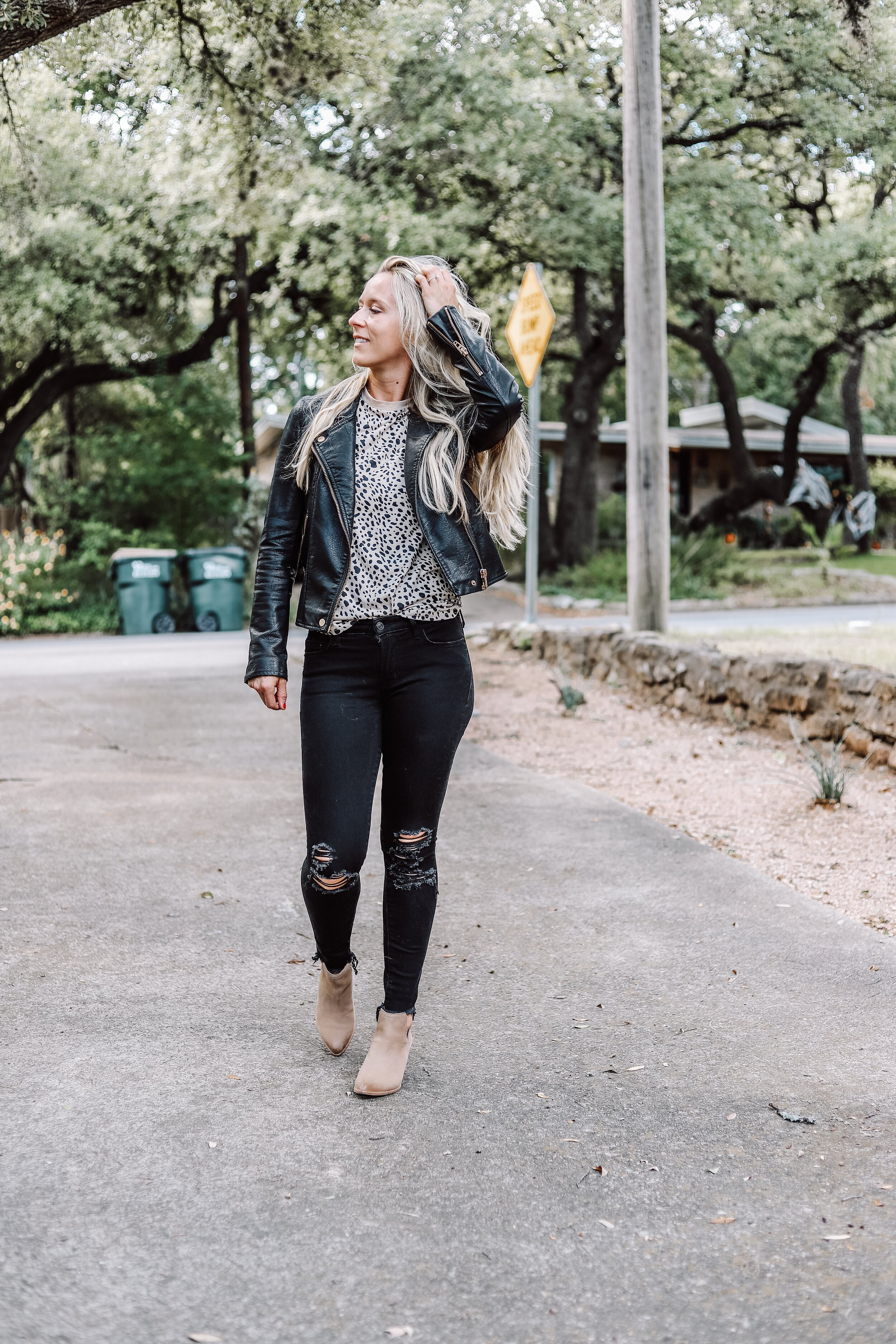 4 Easy and Inexpensive Ways to Incorporate Leopard Into Your Fall Wardrobe