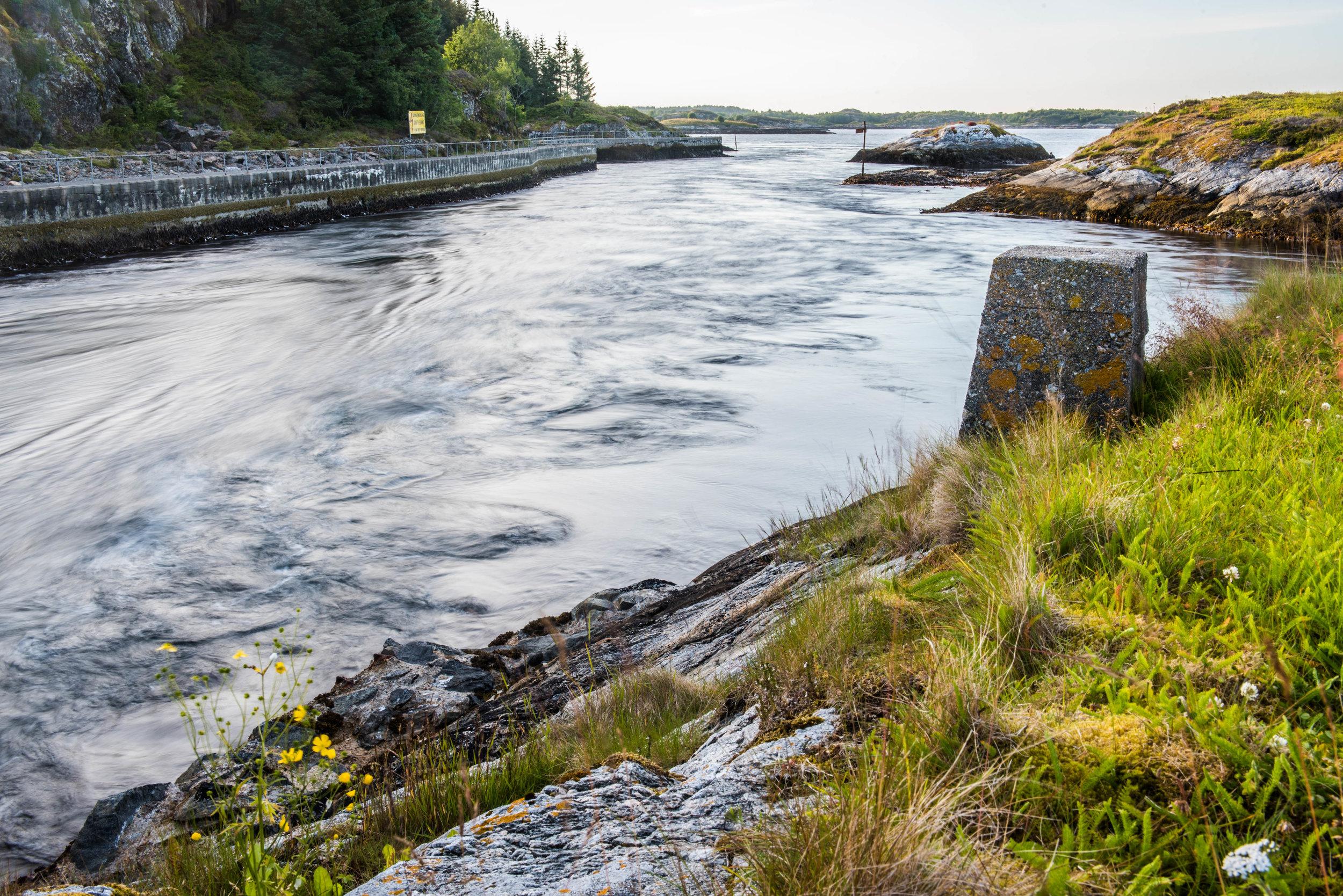 Storstraumen, innløpet til Barmanfjorden, Hitra