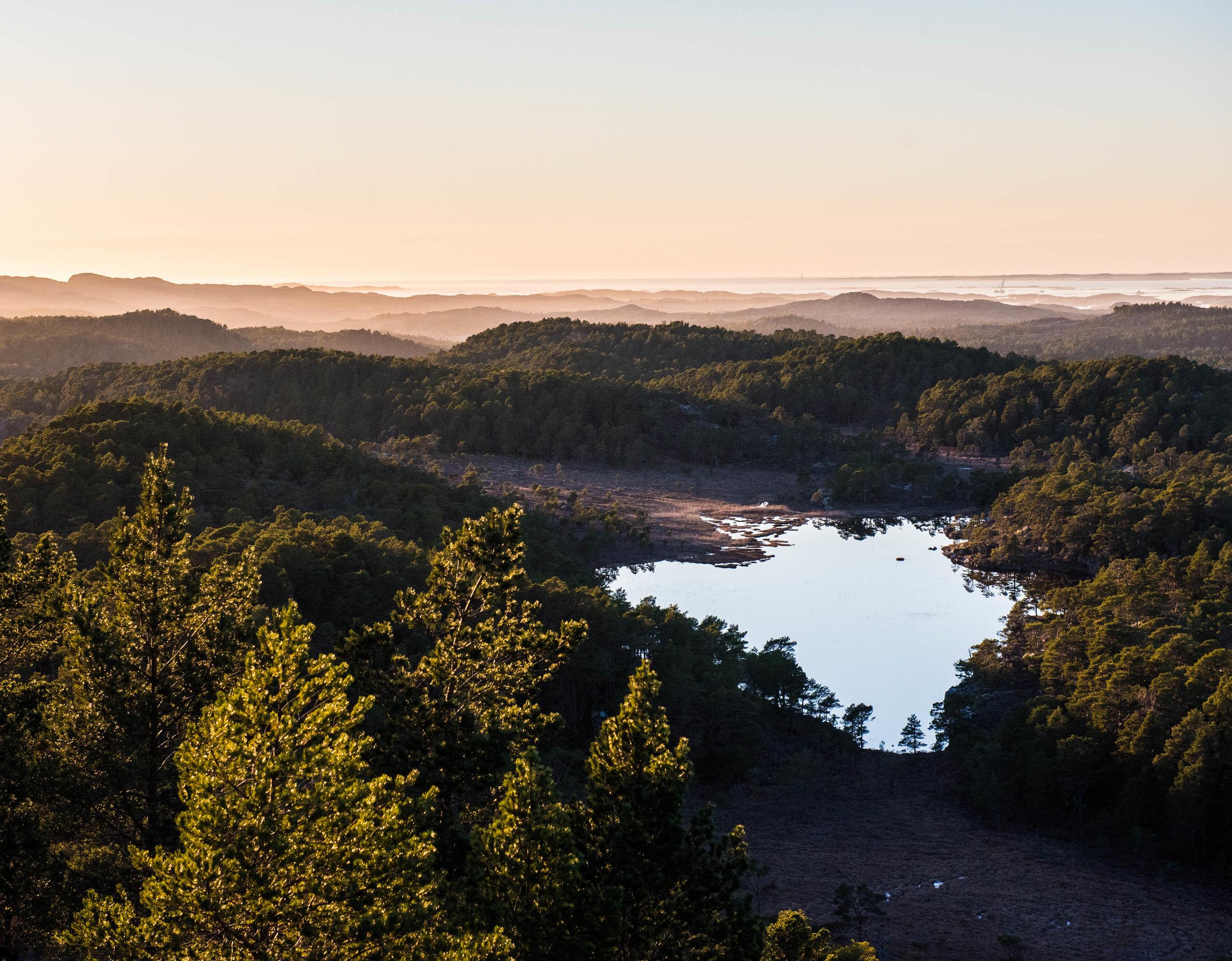 Utsikt fra Hokkeltinden, Hitra