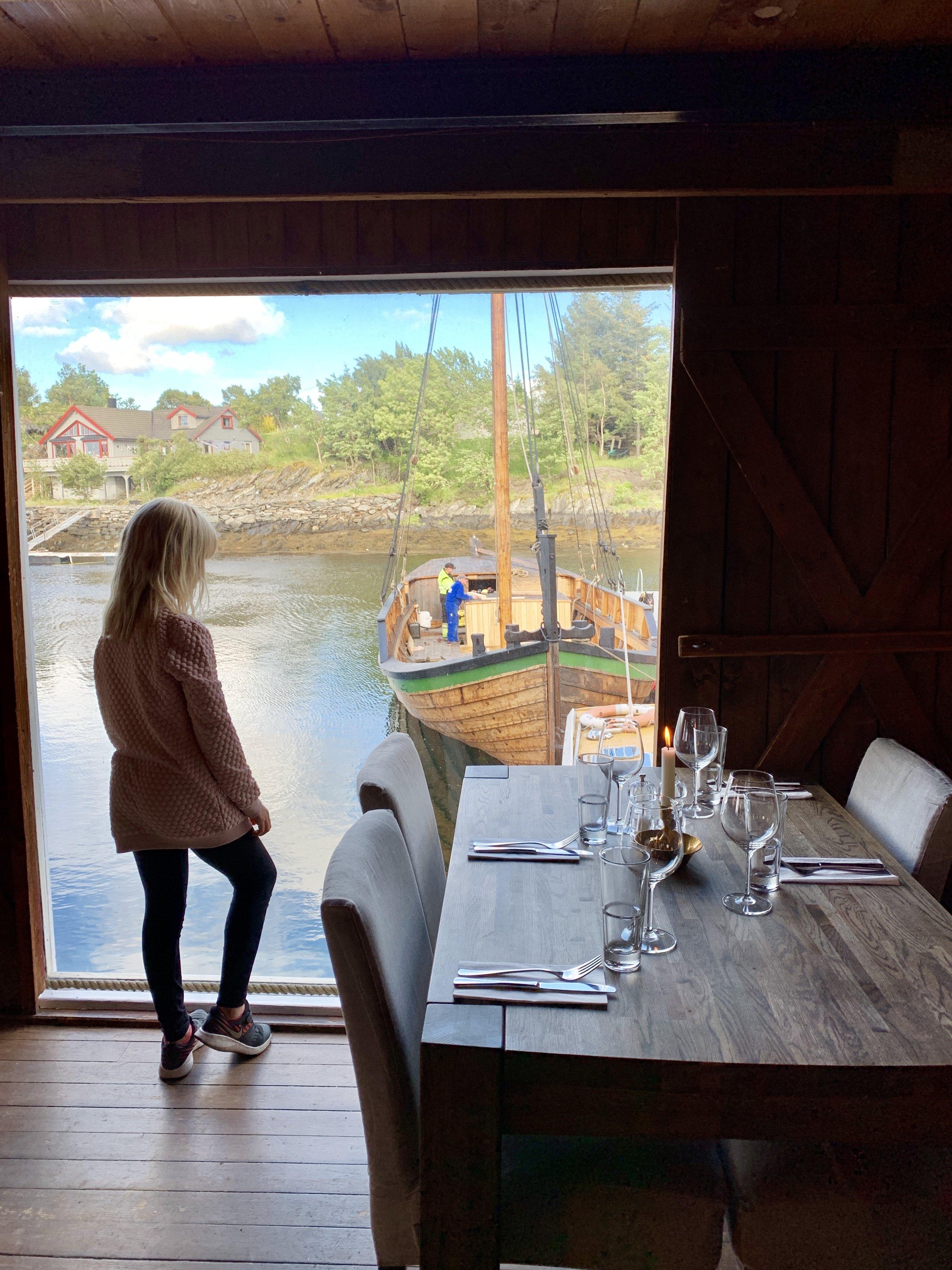 Hopsjø restaurant Ane.JPG