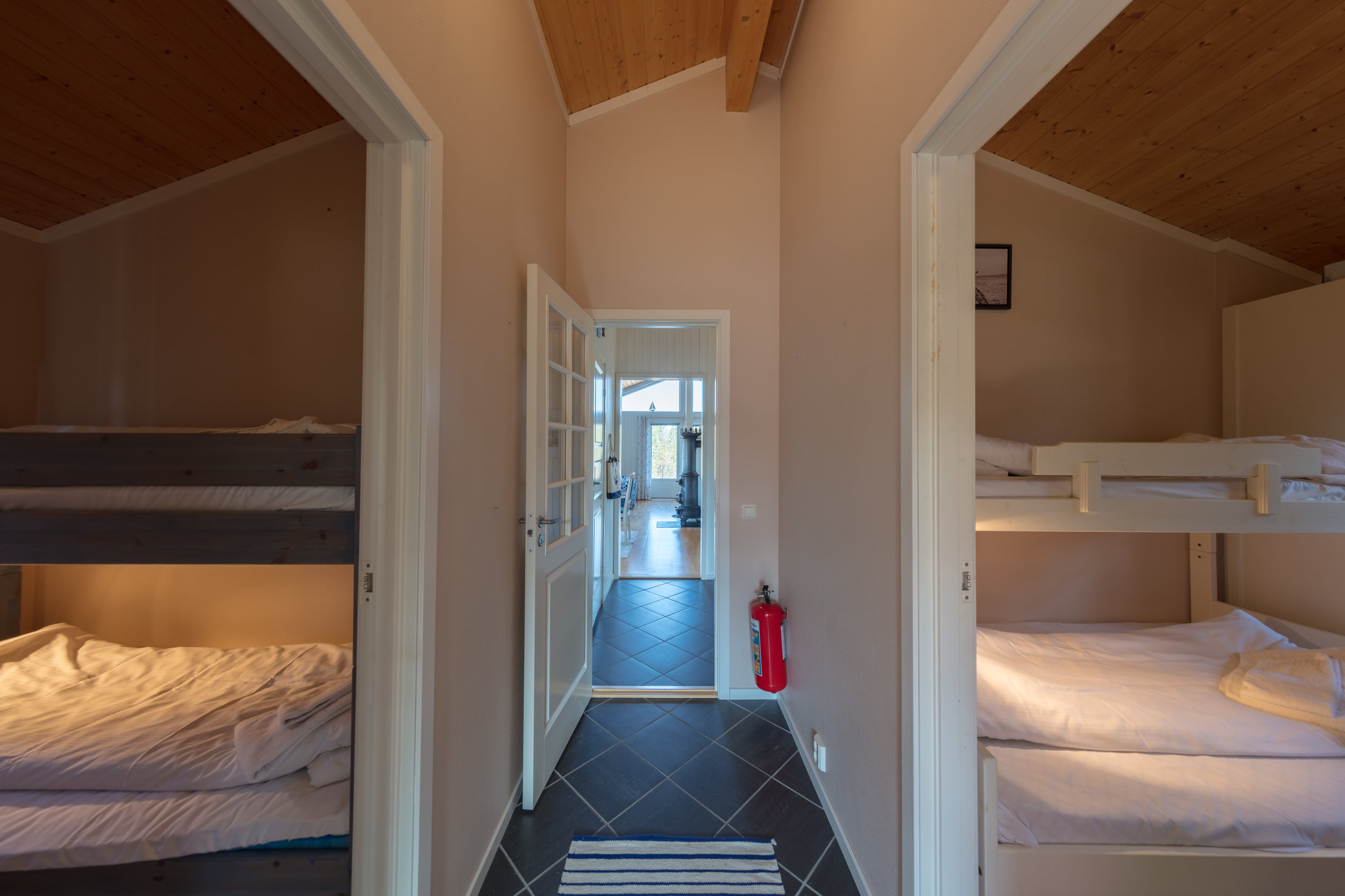 Dolmsundet-hotell-Hitra-Norge-norway-fotoknoff-sven-erik-knoff-high-res---8.jpg