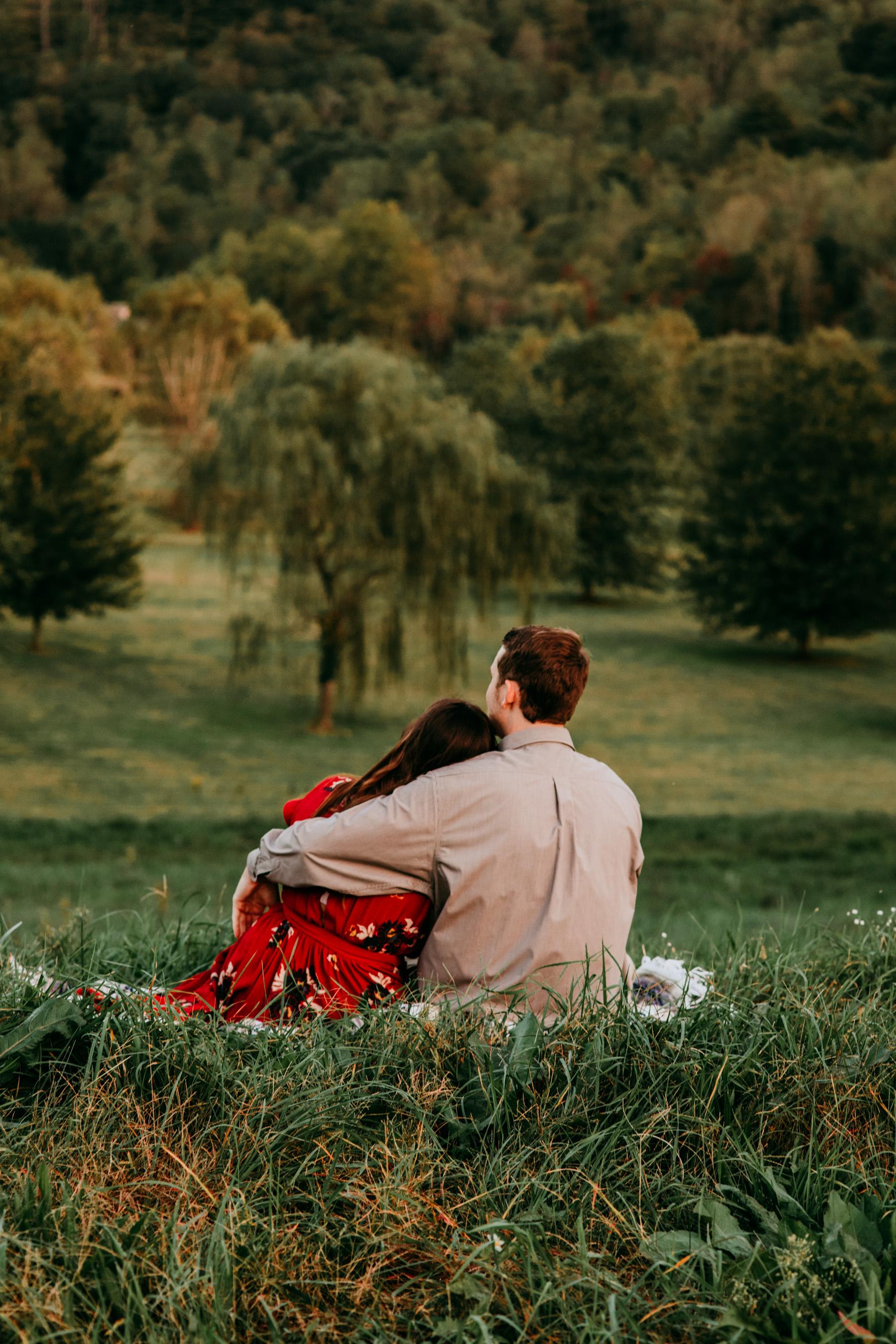 outdoor-engagement-photos-georgia.jpg