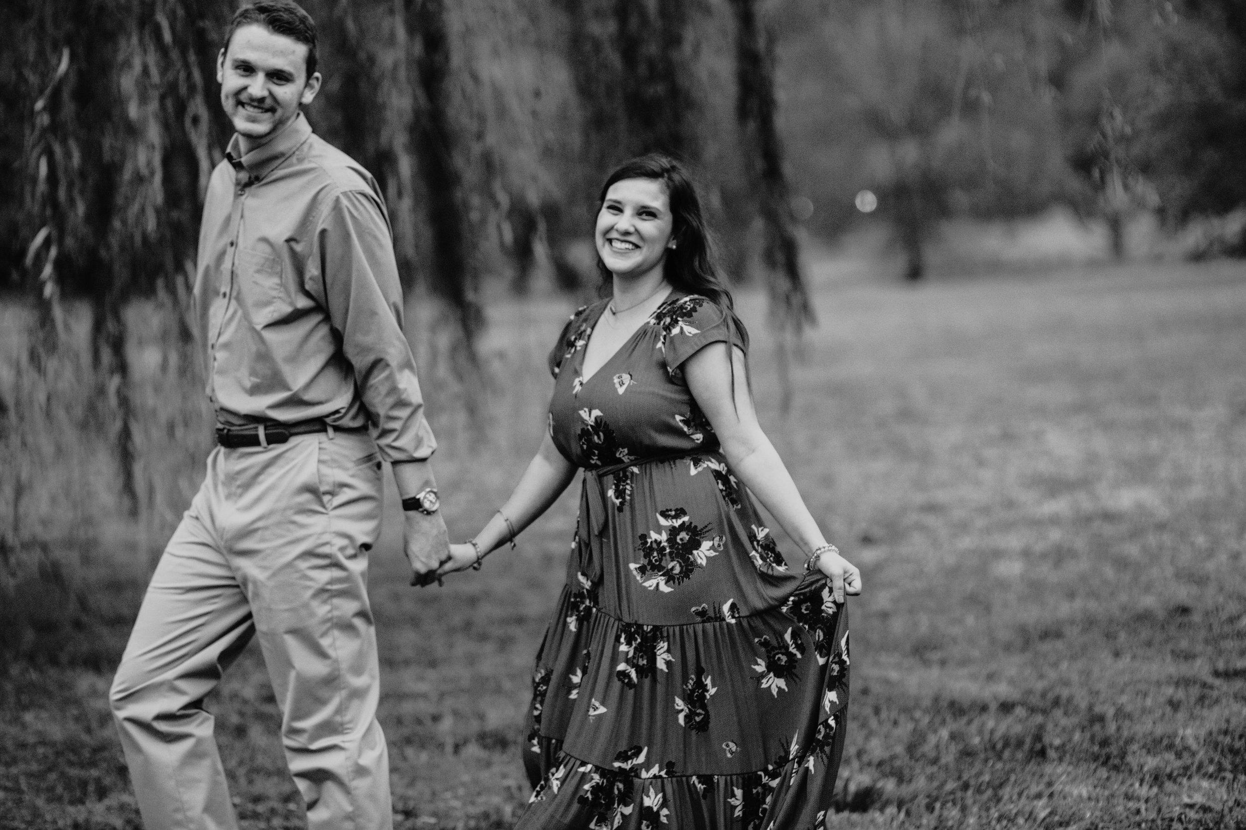 romantic-engagement-photos.jpg