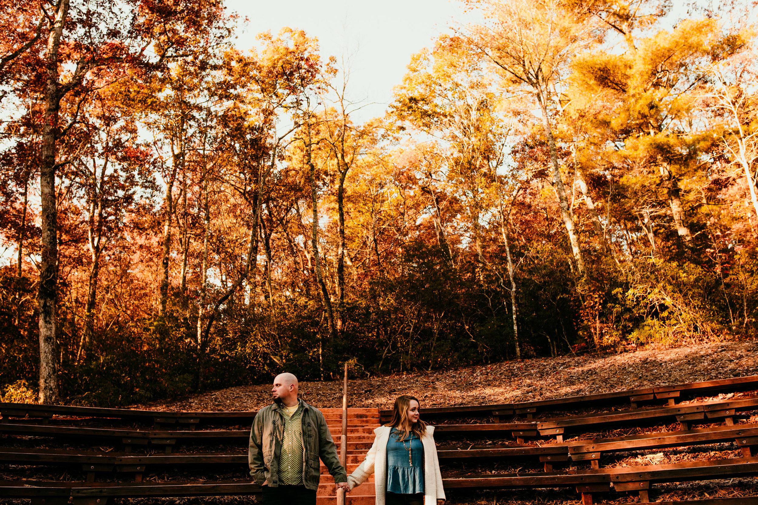 fall-engagement-photos.jpg