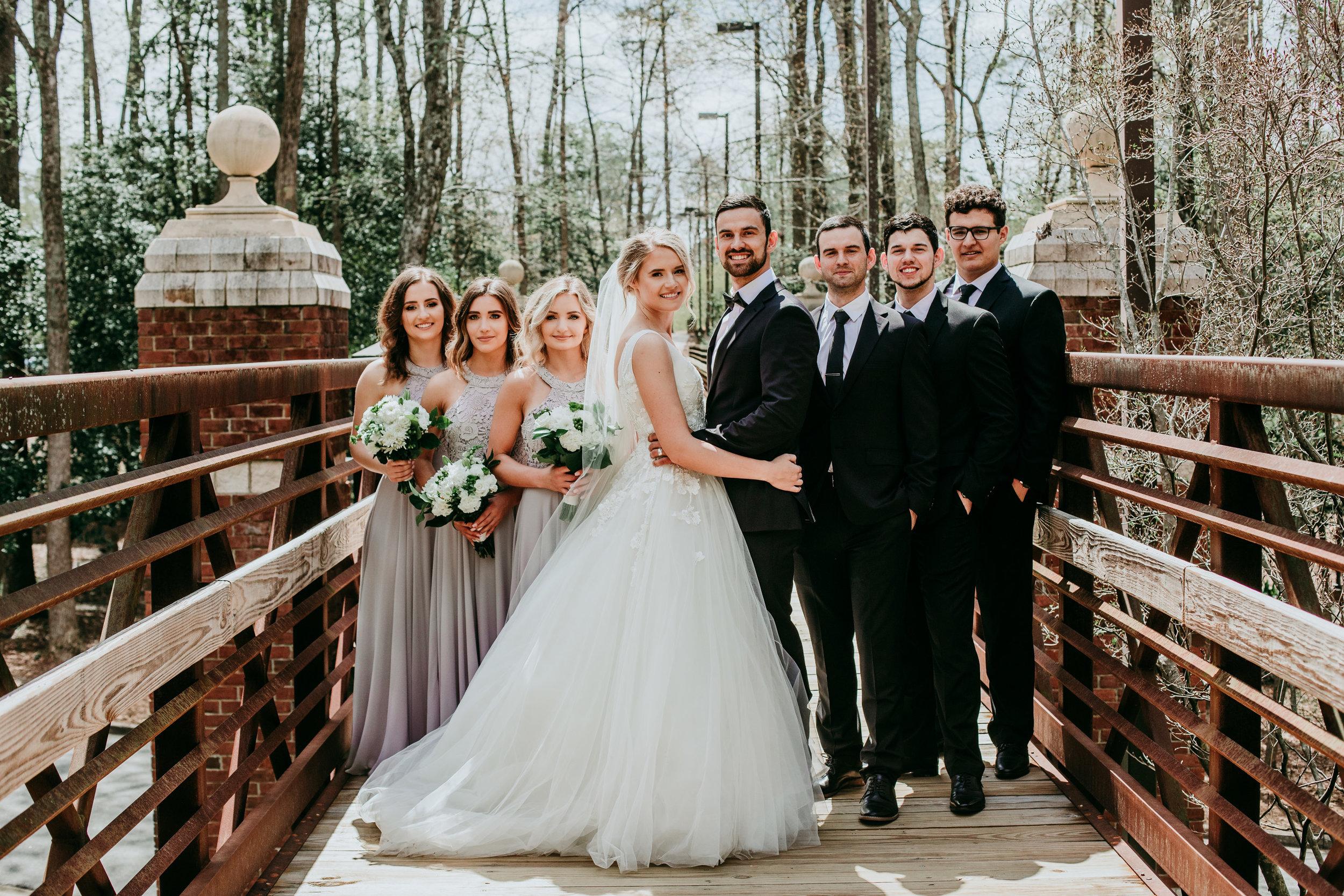 bride-and-groom-photo-poses.jpg