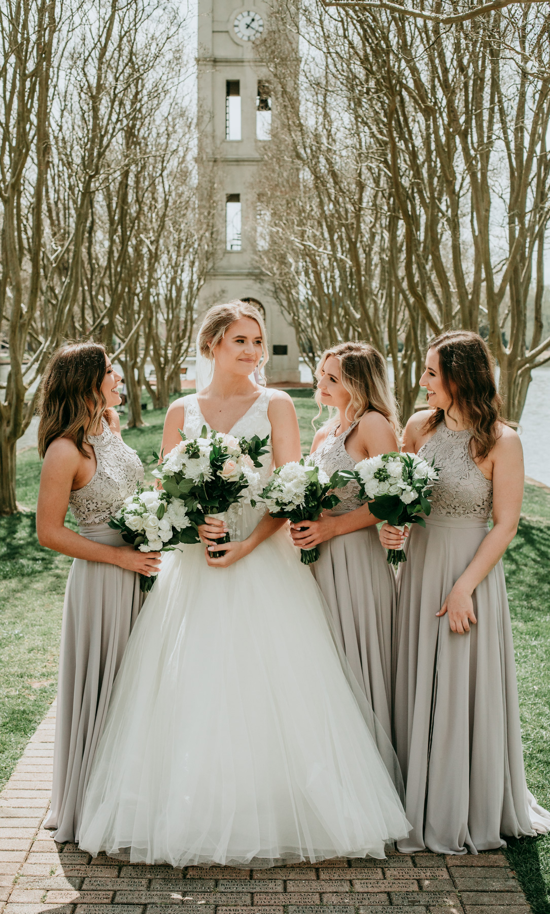 bride-and-bridesmaids-photo.jpg