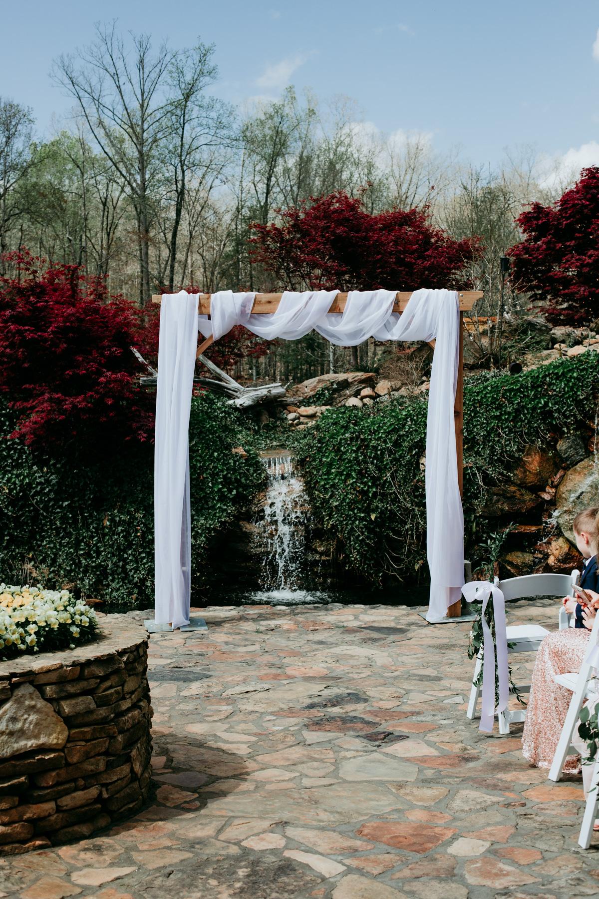 romantic-outdoor-wedding-ceremony.jpg