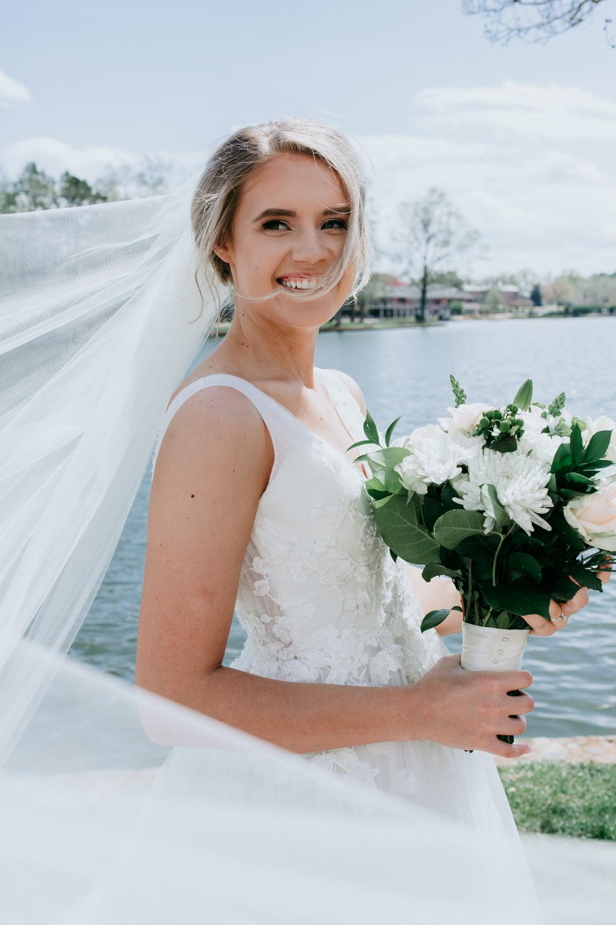 cute-bride-photo-session.jpg