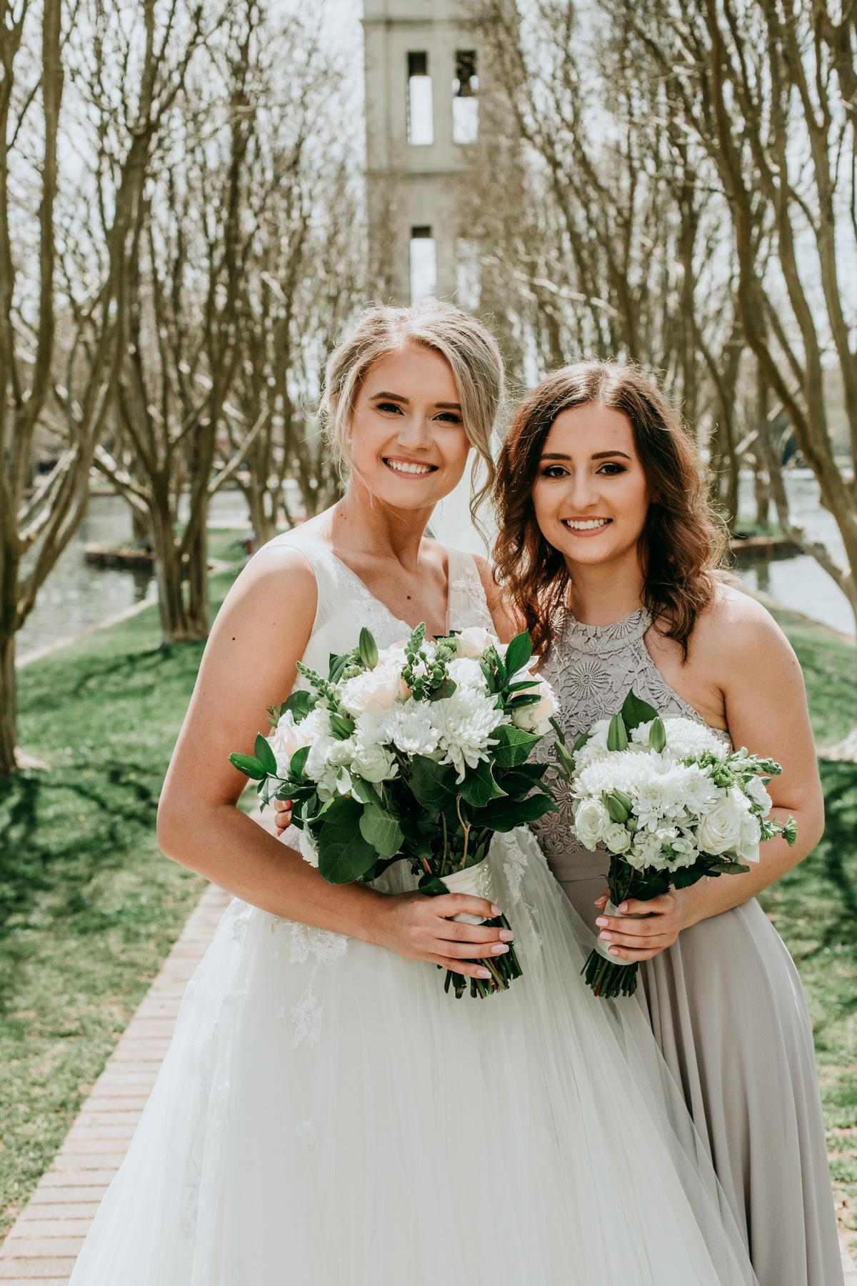 bridesmaid-and-bride-photo-session.jpg