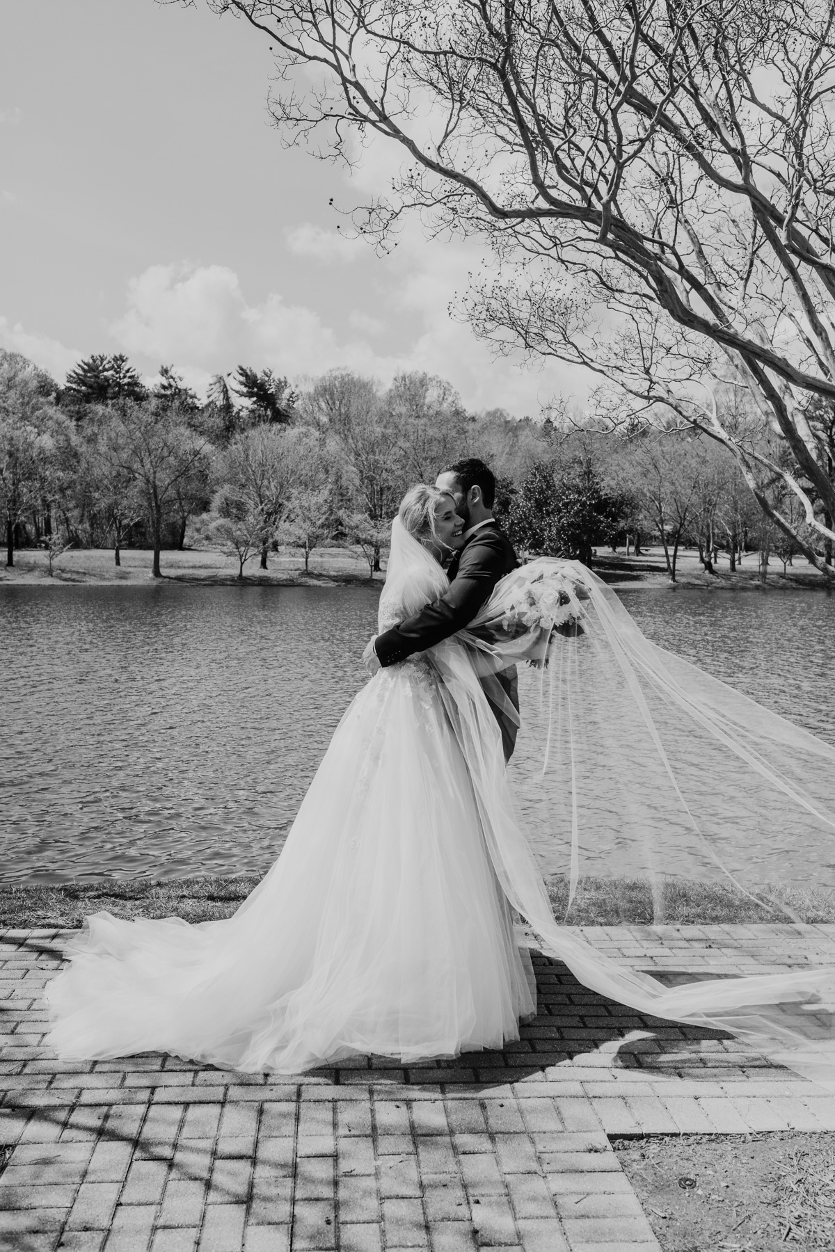unique-black-and-white-wedding-photos.jpg
