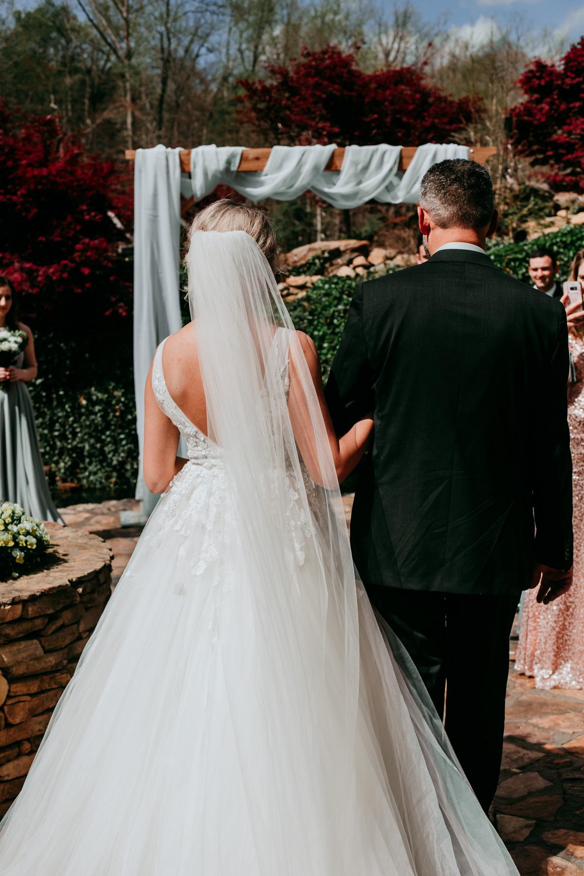 outdoor-wedding-ceremony-locations.jpg