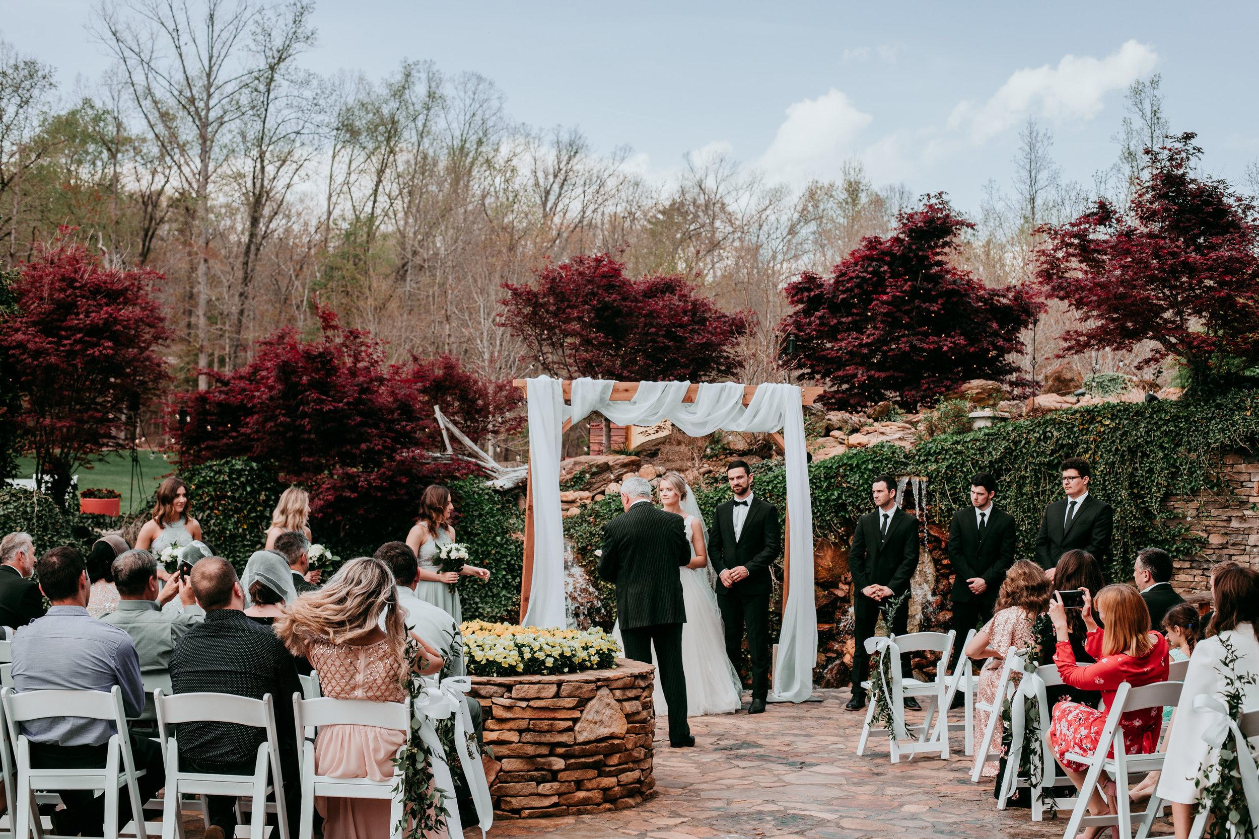 outdoor-wedding-ceremony-near-me.jpg