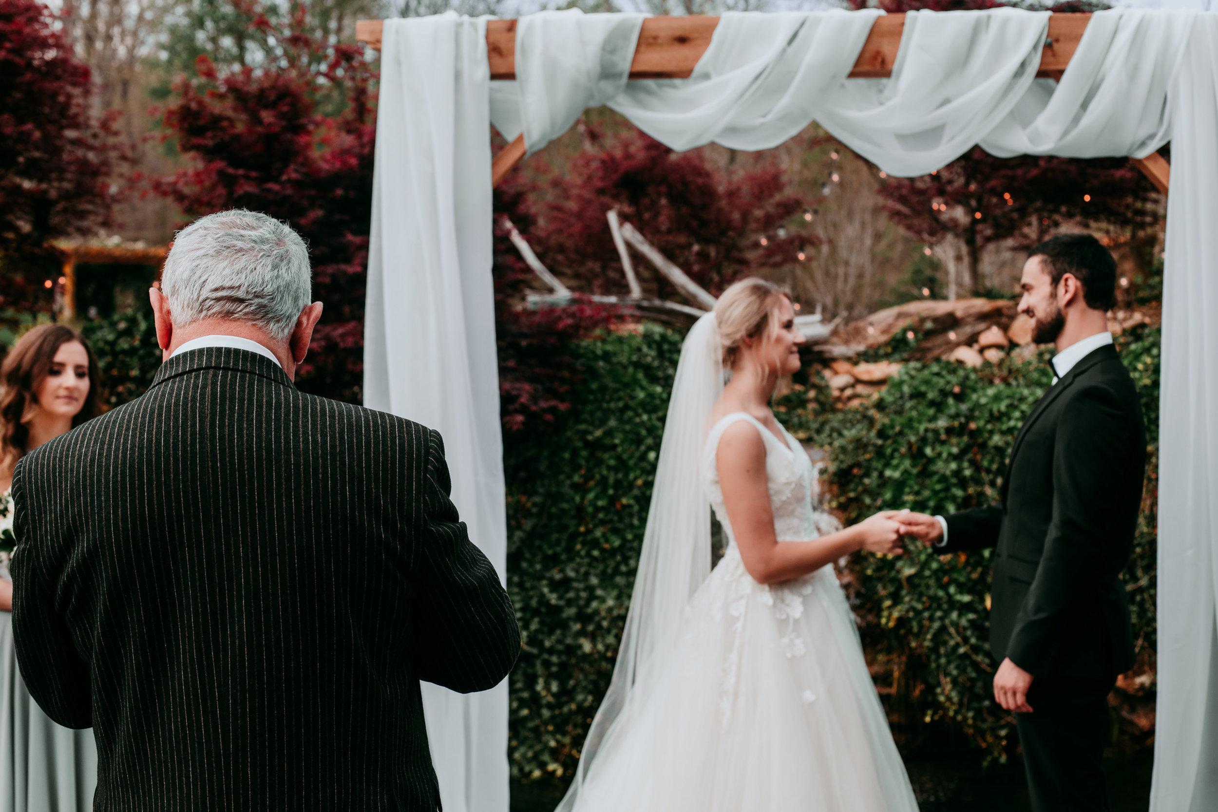 outdoor-wedding-ceremony-ideas.jpg