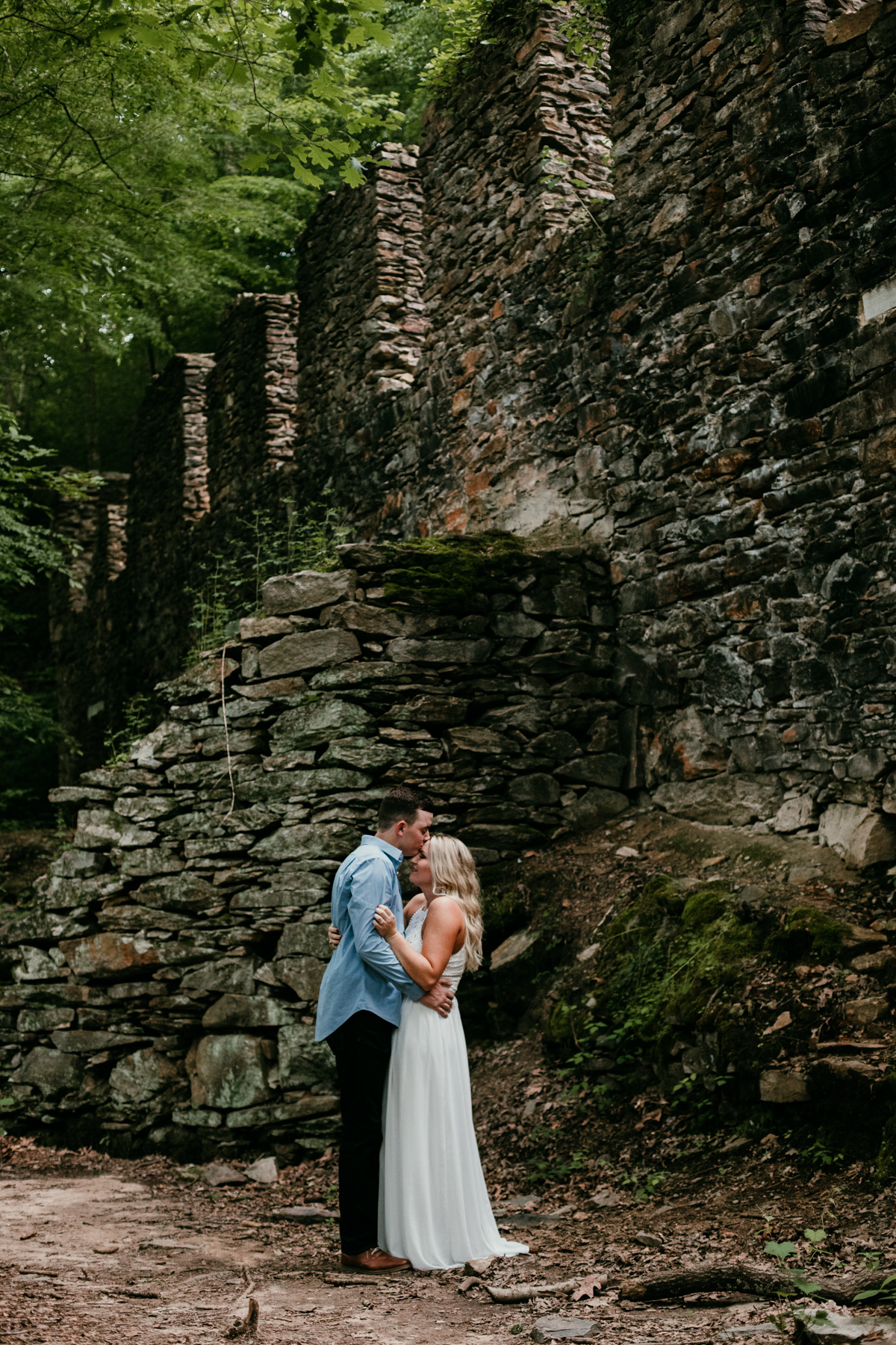 outdoor-engagement-photo-locations-near-me.jpg