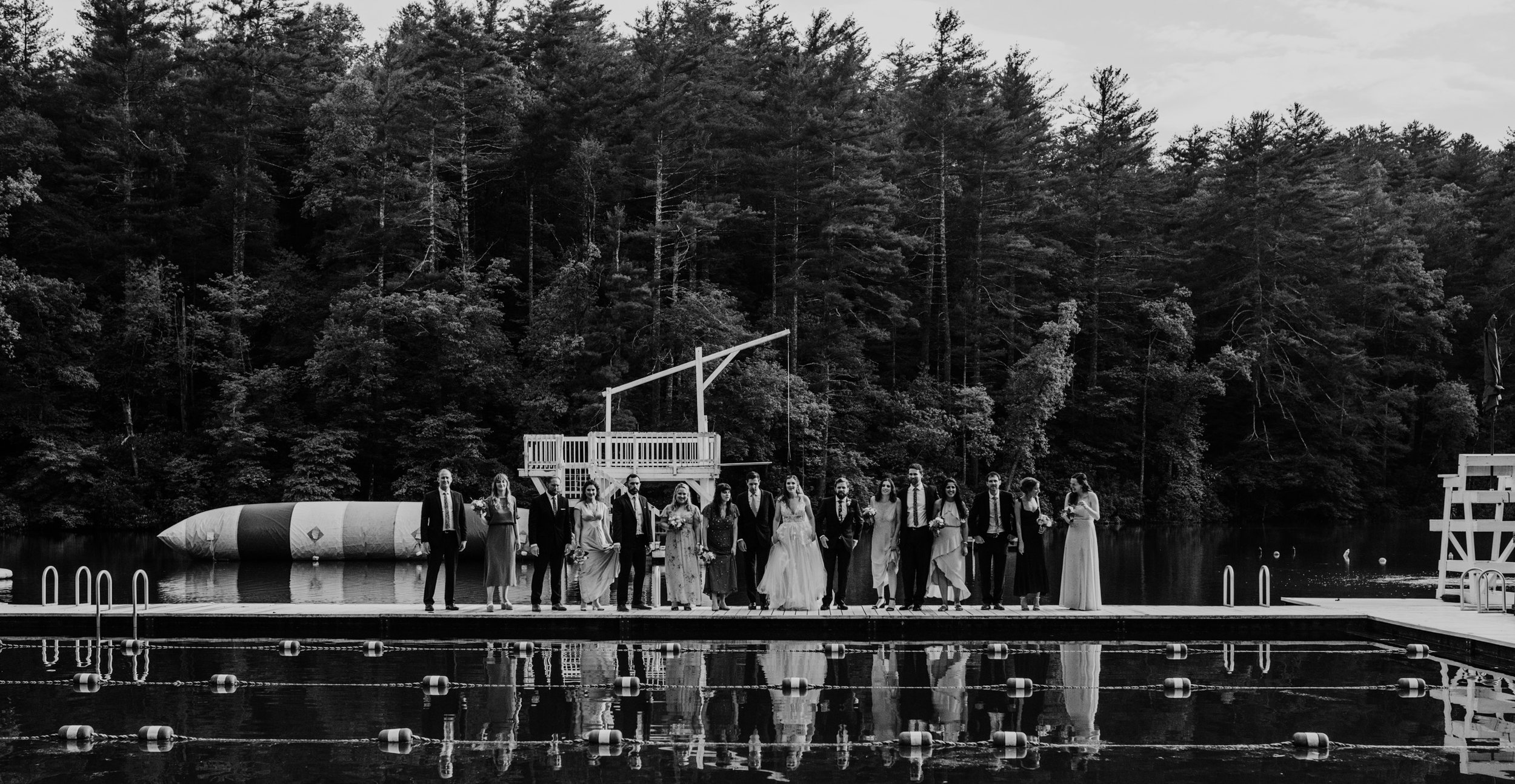 black-and-white-bridal-party-photo-ideas.jpg