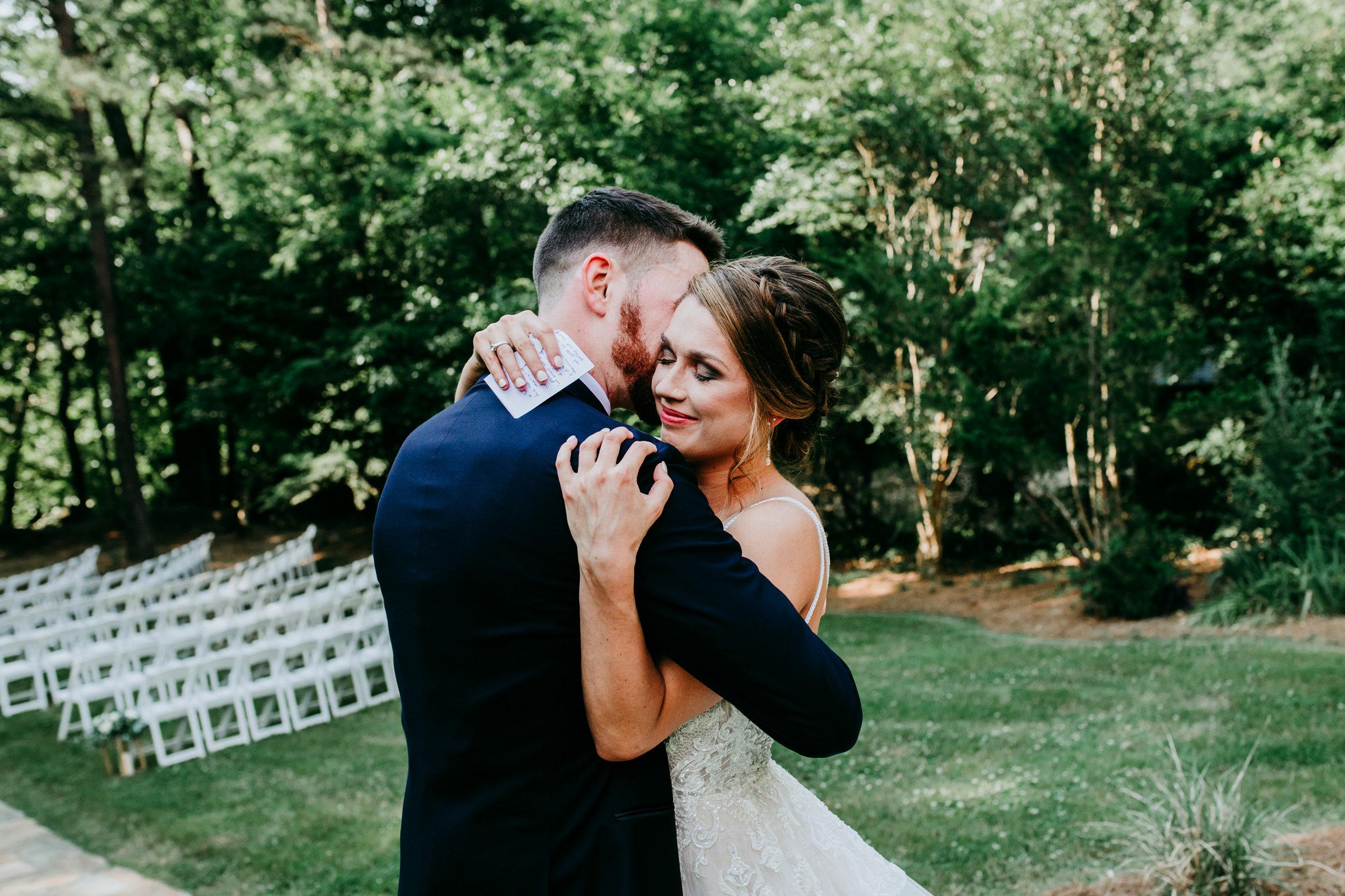 outdoor-wedding-photos.jpg