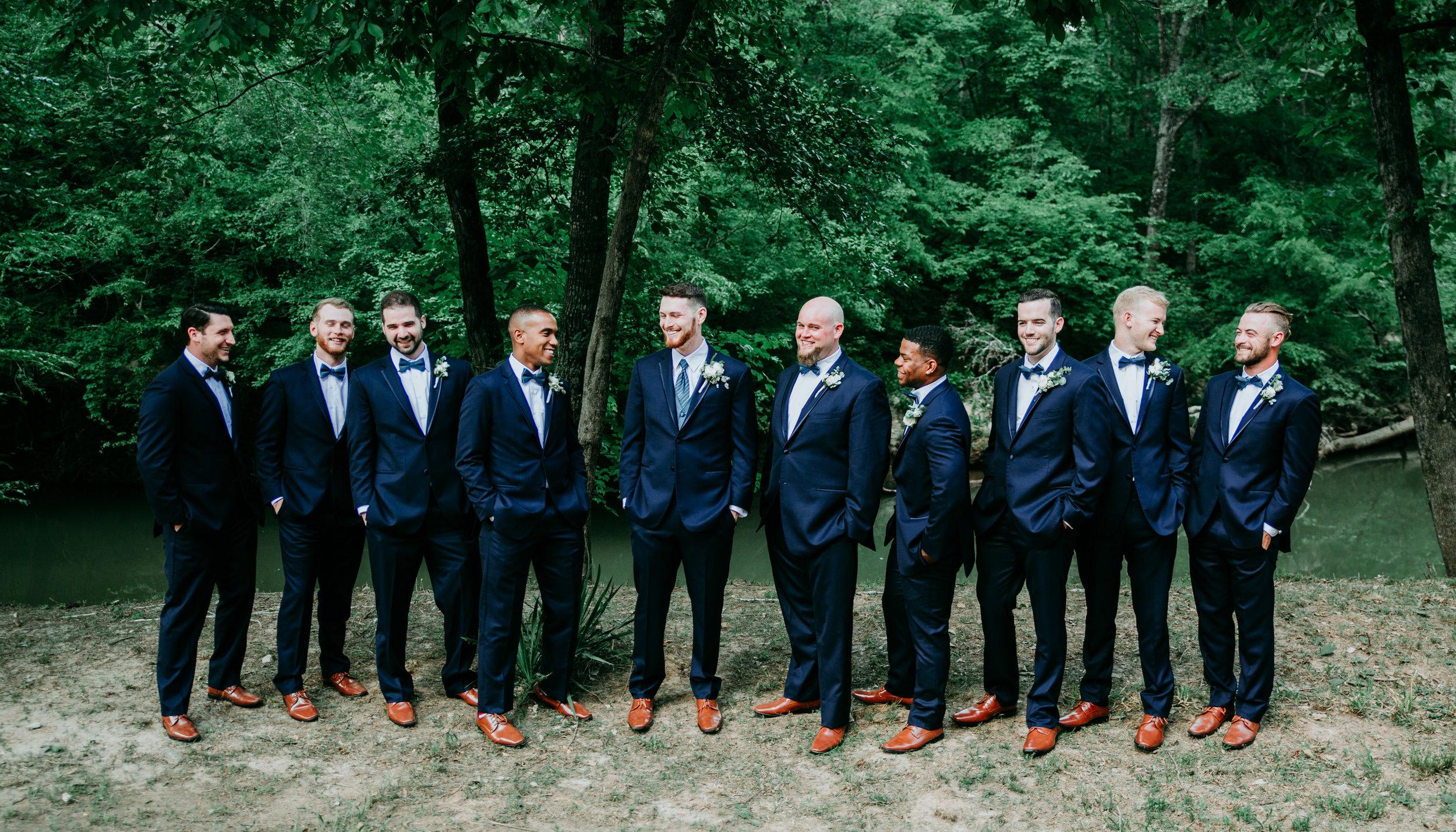 unique-groomsmen-photos.jpg