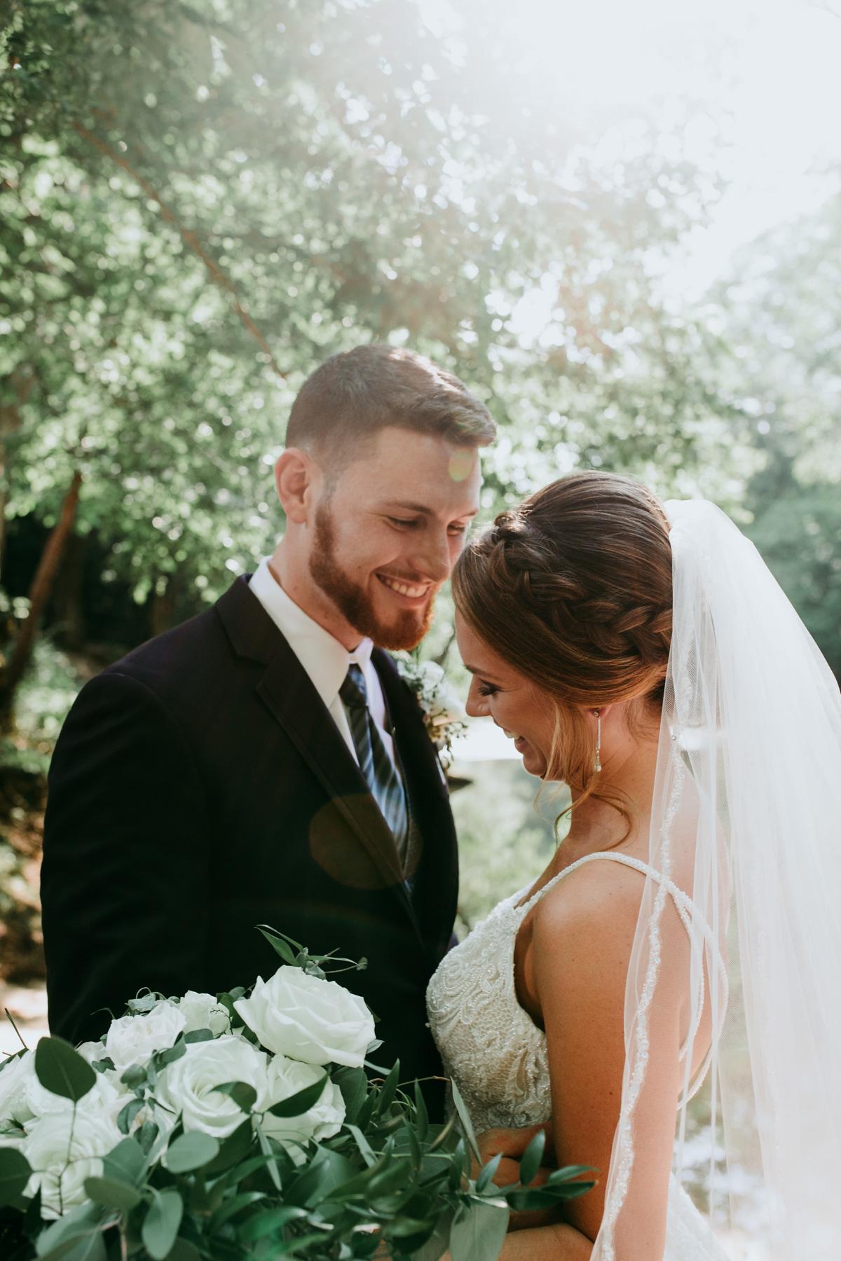 bride-and-groom-background-photo.jpg