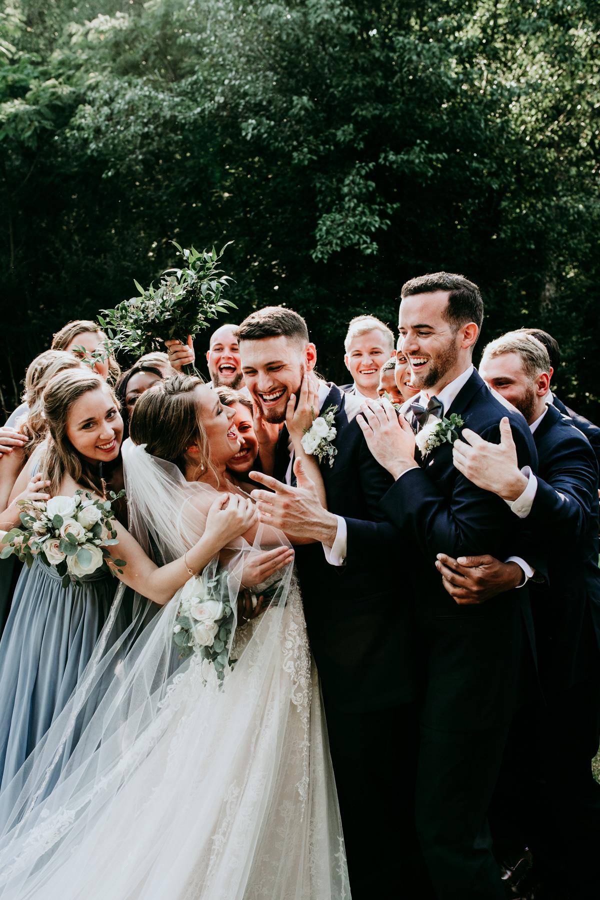 creative-bride-and-groom-photos.jpg