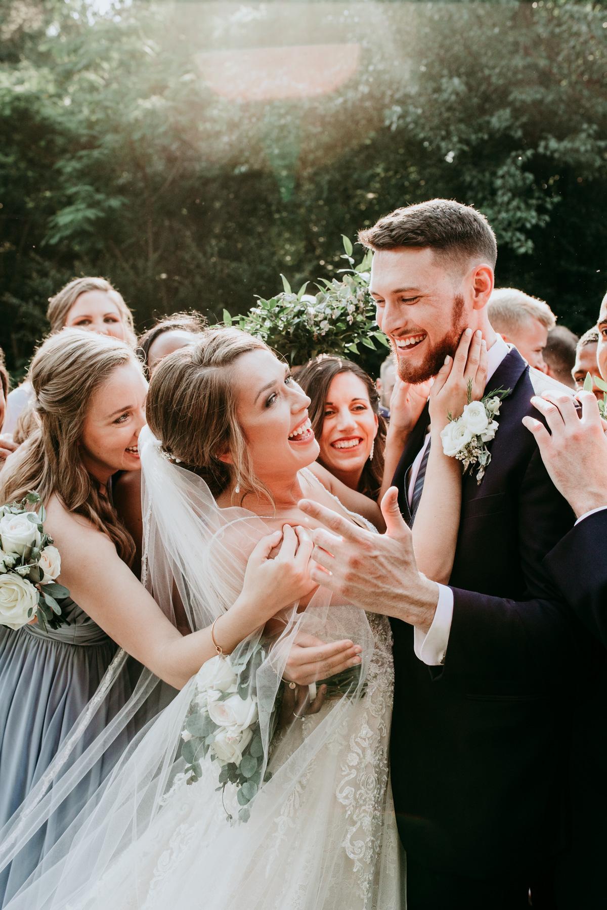 funny-bride-and-groom-photos.jpg