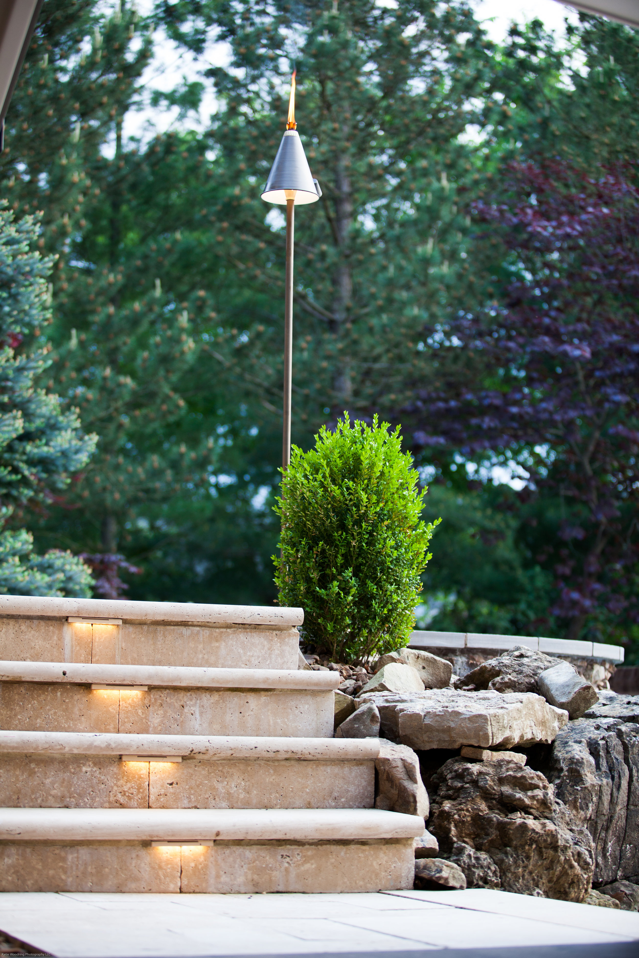 Hardscape, outdoor accent lights used for under-counter, steps and capstones.
