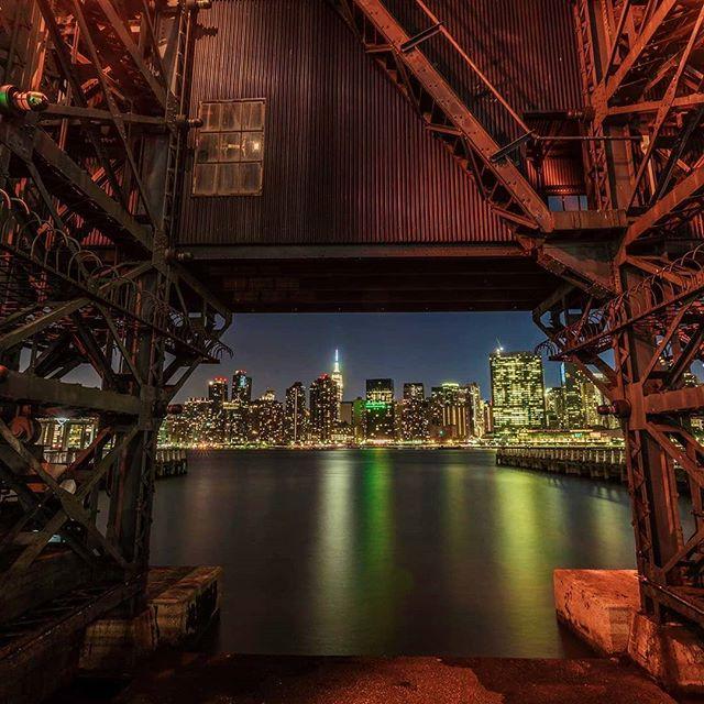 Be happy for this moment. This moment is your life. ---Omar Khayyam . . . . . @bobbyfingers  #newyorkcity  #longislandcityqueens #gantryplazastatepark #livinglic #nycskyline