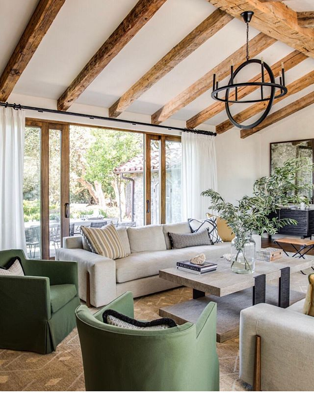 Saturday calls for a relaxing vibe, a beautiful place to sit down with family or friends... which are really family, and make the most of the moment.⠀⠀⠀⠀⠀⠀⠀⠀⠀ .⠀⠀⠀⠀⠀⠀⠀⠀⠀ This gorgeous room with wooden beams and comfy seating is perfect to entertain ✨⠀⠀⠀⠀⠀⠀⠀⠀⠀ .⠀⠀⠀⠀⠀⠀⠀⠀⠀ Inspiration via @fletcher.rhodes⠀⠀⠀⠀⠀⠀⠀⠀⠀ .⠀⠀⠀⠀⠀⠀⠀⠀⠀ .⠀⠀⠀⠀⠀⠀⠀⠀⠀ #livingroom #ceilingbeams #whitesofa #greenchair #openspaces #openarea #hygge #understatedelegance #understatedluxury #stellarspaces #modernhomes #familyhomes #lifestyle #englishhome #interiordesign #richmond #hampton #teddington ⠀⠀⠀⠀⠀⠀⠀⠀⠀ Sent via @planoly #planoly
