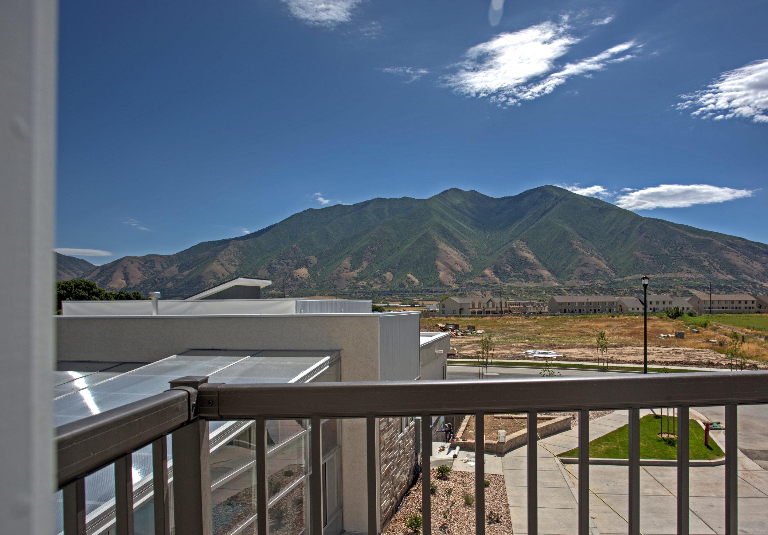 988 S High Ridge Rd Spanish-print-030-4-988SHighRidgeRd33-4200x2930-300dpi.jpg