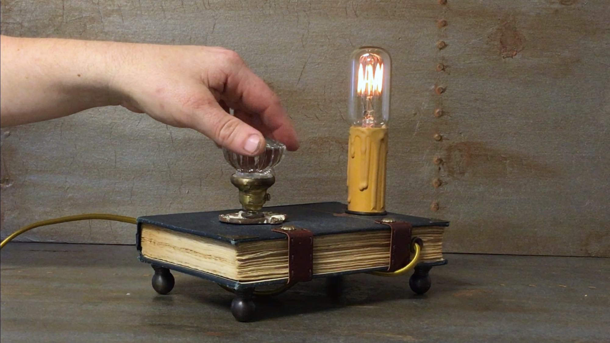 Book lamp knob demo.jpg