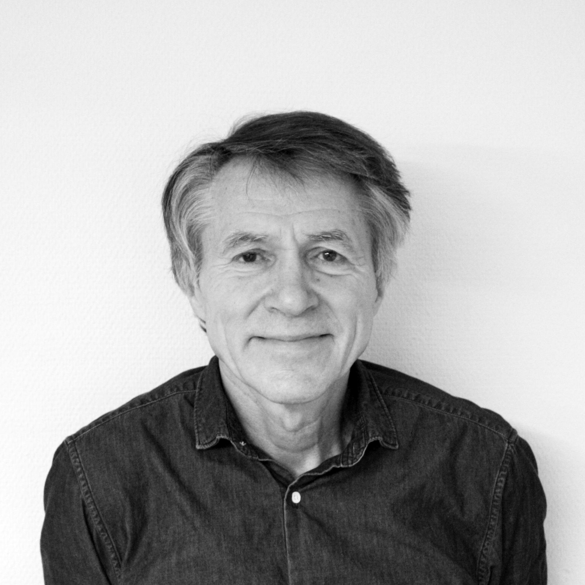 Jan Jansen   Kontorets grunnlegger / Sivilarkitekt MNAL/ NTH   j  j@jansen-arkitekter.no   69 24 14 42