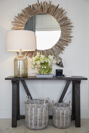 This lovely driftwood mirror was inspired by the surrounding textures and lake house vibe, and can be made at home yourself! Check out my DIY  here !