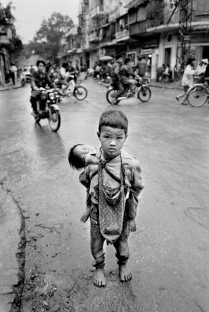 551d7071fa699a350cfdd306_vietnam-40th-anniversary-end-of-war-ss02.jpg
